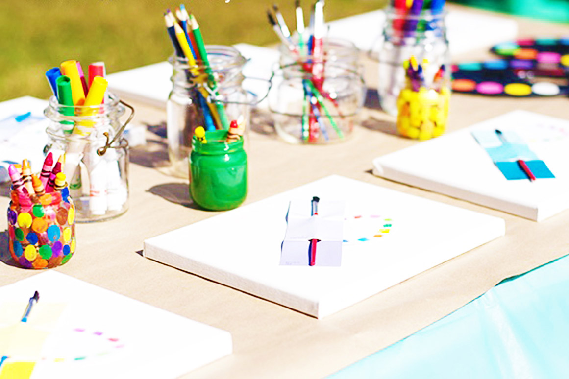 Arts n Crafts sections at weddings in Ibiza - Sección de manualidades para niños en tu boda